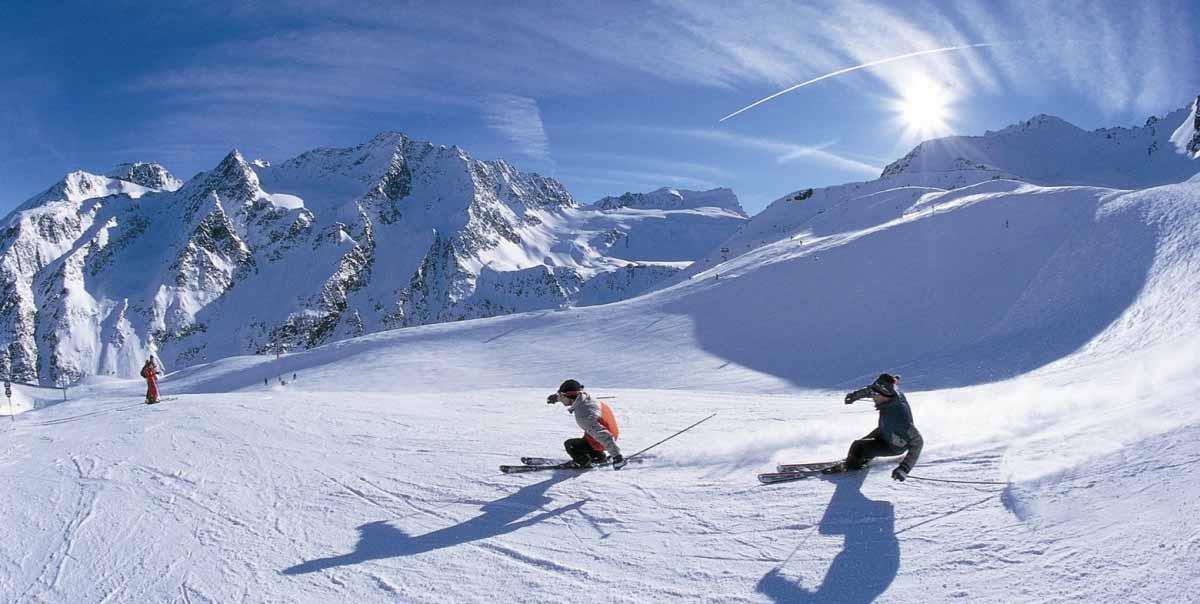 Auli Skiing Tour