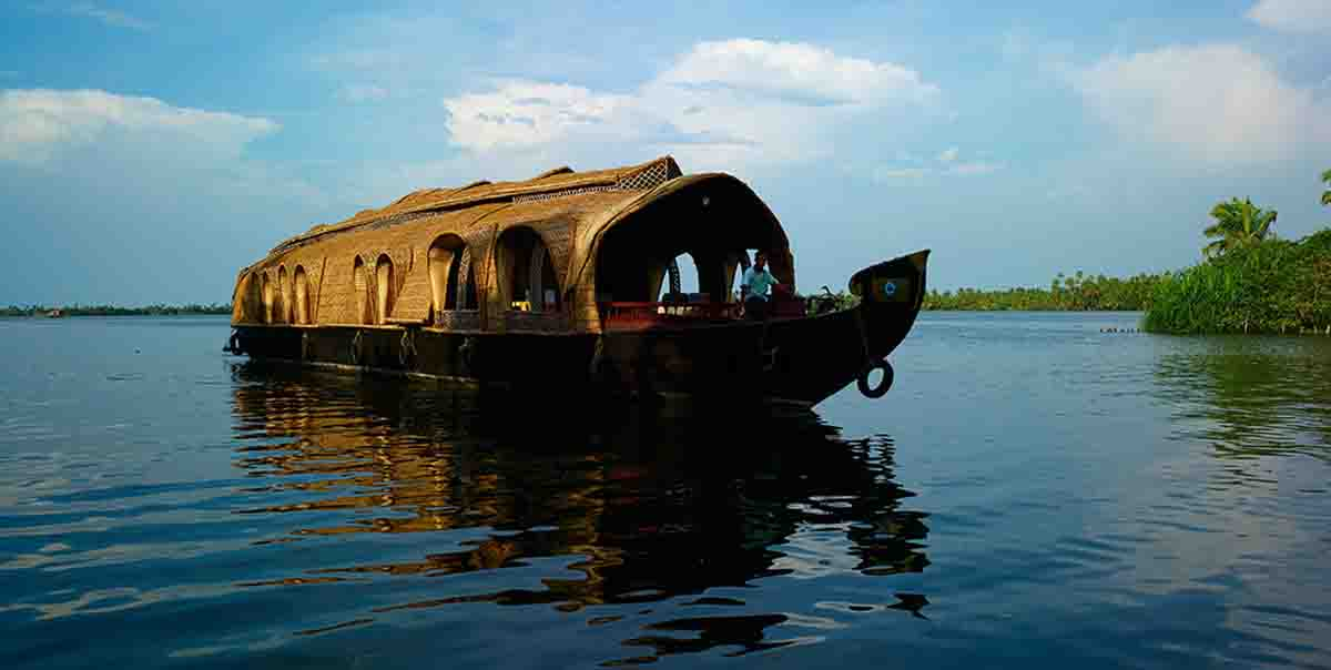 Houseboat Tour Package
