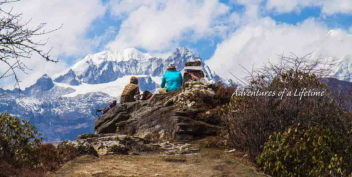 yuksom to dzongri & goecha la trek tour package